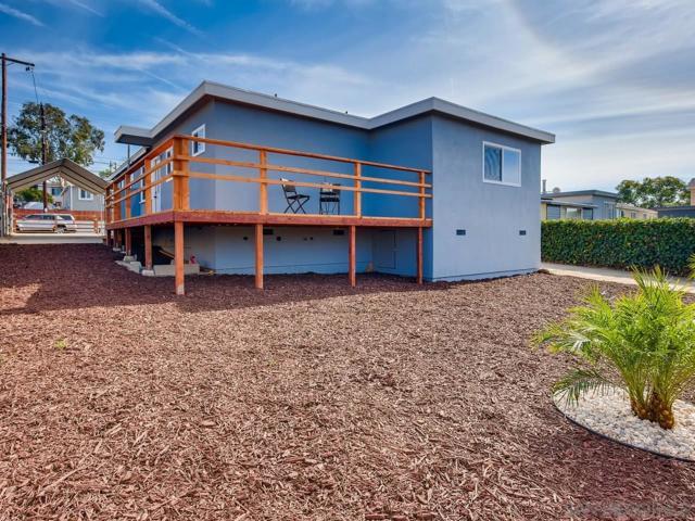 2366 Comstock St, San Diego CA: http://media.crmls.org/mediaz/ADD91EB2-B951-4F7D-BFD6-8BFD247DC87F.jpg