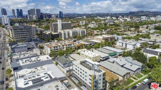 1143 Glenville Drive, Los Angeles CA: http://media.crmls.org/mediaz/ADE1399C-FECE-41F5-A41F-E4631E887D6D.jpg