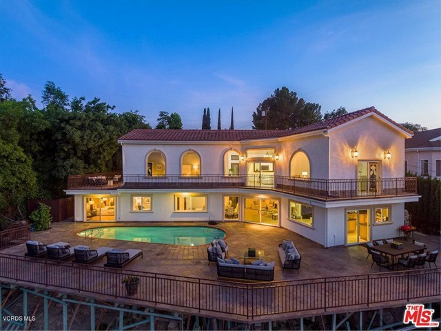 Photo of 22447 Venido Road, Woodland Hills, CA 91364