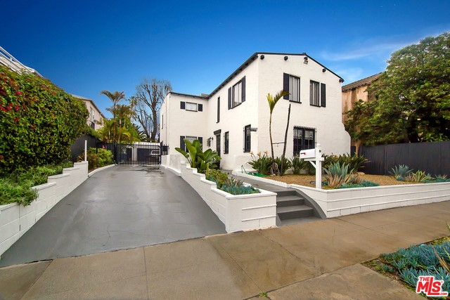 Single Family for Sale at 432 Gardner Street N Los Angeles, California 90036 United States