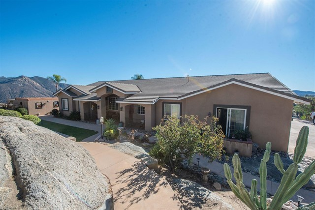 Detail Gallery Image 1 of 27 For 16049 Wizard Way, Valley Center,  CA 92082 - 5 Beds | 3/1 Baths
