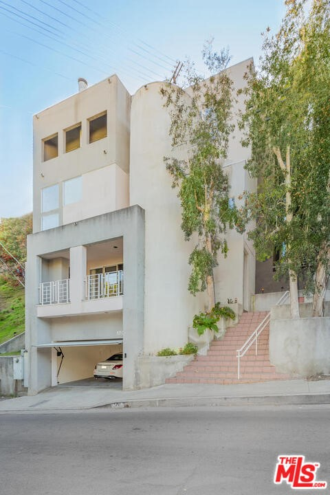 1701 N Beverly Drive #  Beverly Hills CA 90210