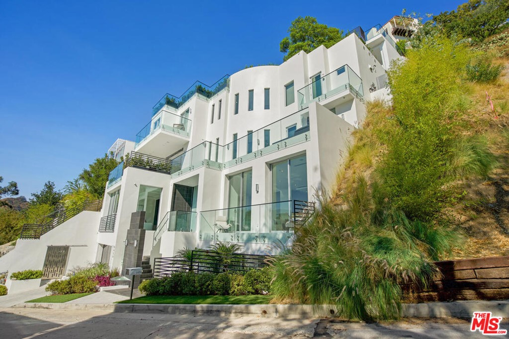 9459 Beverly Crest Drive #  Beverly Hills CA 90210