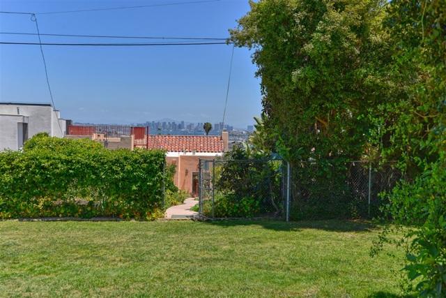 1092 Evergreen, San Diego CA: http://media.crmls.org/mediaz/AEE0C5C6-FFA7-4252-9C43-675F289D3F4E.jpg