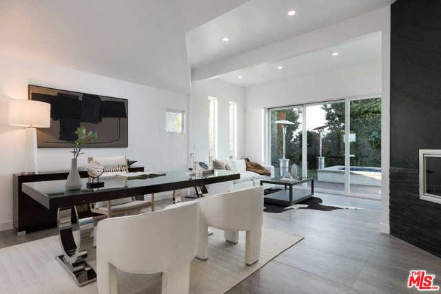 14380 Mulholland Drive, Los Angeles CA: http://media.crmls.org/mediaz/AF5A5A36-A673-4048-907A-BB2BC4CE68D4.jpg