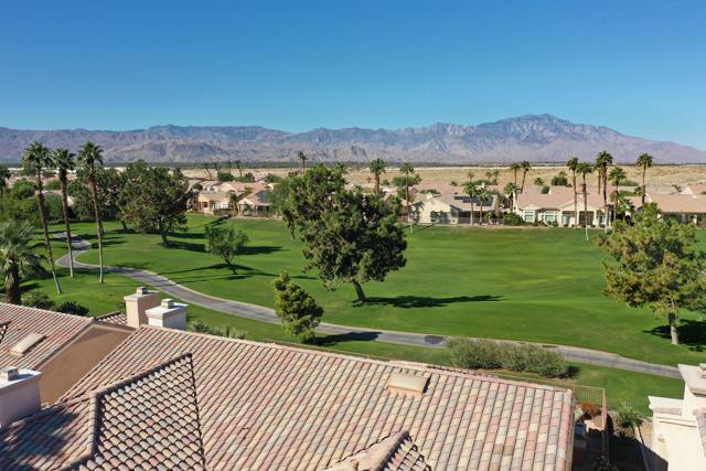 37647 Westridge Avenue, Palm Desert CA: http://media.crmls.org/mediaz/AFADE79C-FC39-45E9-87CD-C14C07719363.jpg