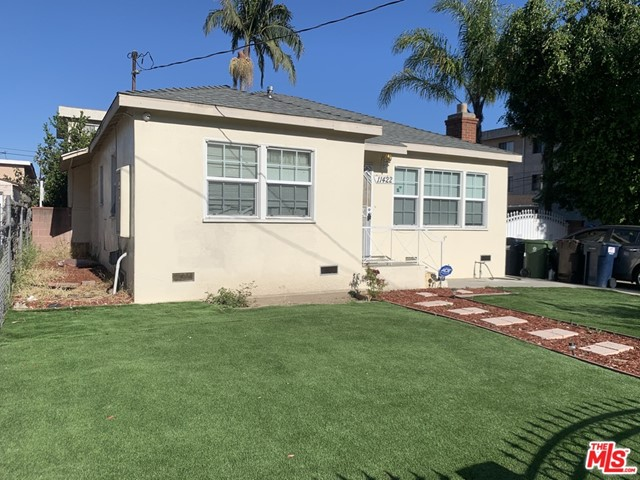 11422 BIRCH Avenue, Hawthorne, California 90250, 2 Bedrooms Bedrooms, ,1 BathroomBathrooms,Single family residence,For Sale,BIRCH,20573614