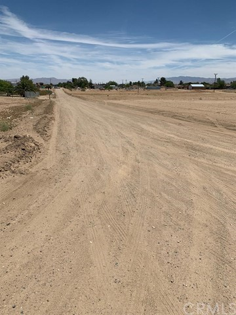 13970 Bonanza Road, Victorville CA: http://media.crmls.org/mediaz/B01AB984-A840-4BF6-81F0-69445D46E4D3.jpg