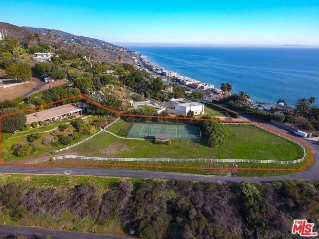 22866 BECKLEDGE Terrace  Malibu CA 90265