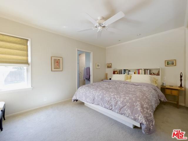 4423 Elmer Avenue, Studio City CA: http://media.crmls.org/mediaz/B02ABC02-9122-4B5F-A814-369CFD4BC27A.jpg