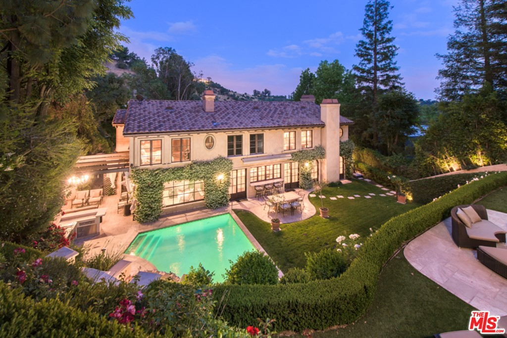 3145 Abington Drive #  Beverly Hills CA 90210