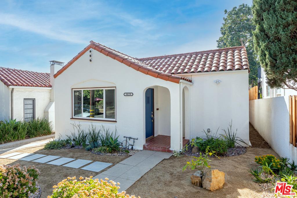9020 Phyllis Avenue #  West Hollywood CA 90069
