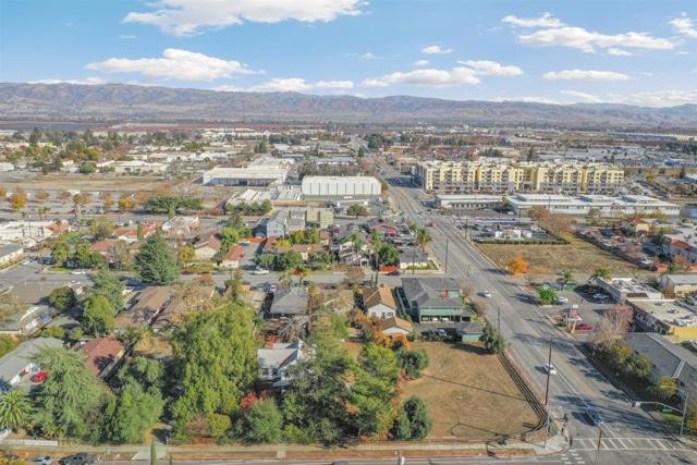 7040 Church Street, Gilroy CA: http://media.crmls.org/mediaz/B10BBD8C-7A92-4C94-B6FC-03BFE26579C3.jpg