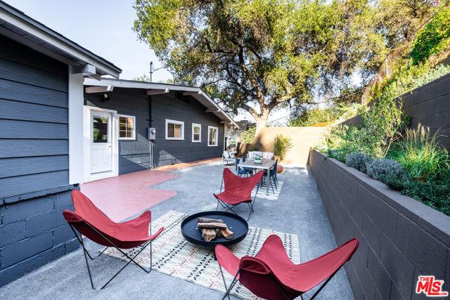 1662 Glen Aylsa Avenue, Los Angeles CA: http://media.crmls.org/mediaz/B113FB4F-B3A6-4B9A-8A24-82F32BE6E10E.jpg