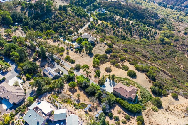 0 Santa Margarita Dr, Fallbrook CA: http://media.crmls.org/mediaz/B135D11D-E733-434F-AED6-B4E8C35D4E0C.jpg