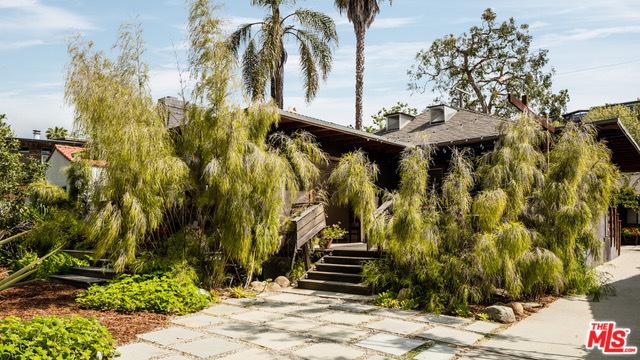 408 E Rustic Rd, Santa Monica, CA 90402 photo 2