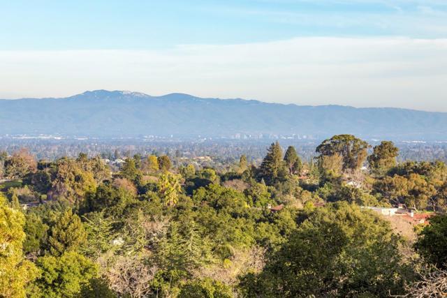 27474 Sunrise Farm Road, Los Altos Hills CA: http://media.crmls.org/mediaz/B15D18CA-A3FD-4310-9003-5C741DB720A0.jpg