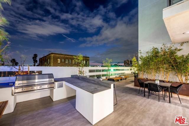 1331 W 7th Street, Los Angeles CA: http://media.crmls.org/mediaz/B1C4CADB-EEAF-443E-89FC-EE2E3C7D9CCD.jpg