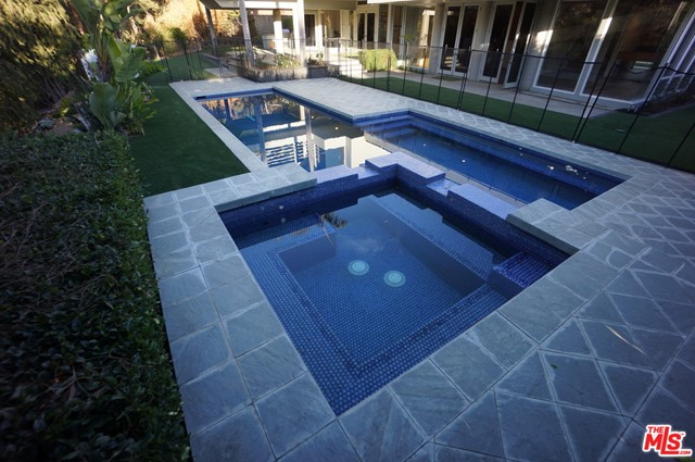 1425 MONTE GRANDE Place, Pacific Palisades CA: http://media.crmls.org/mediaz/B210380F-8F2B-4E4E-841B-B45494B045B7.jpg