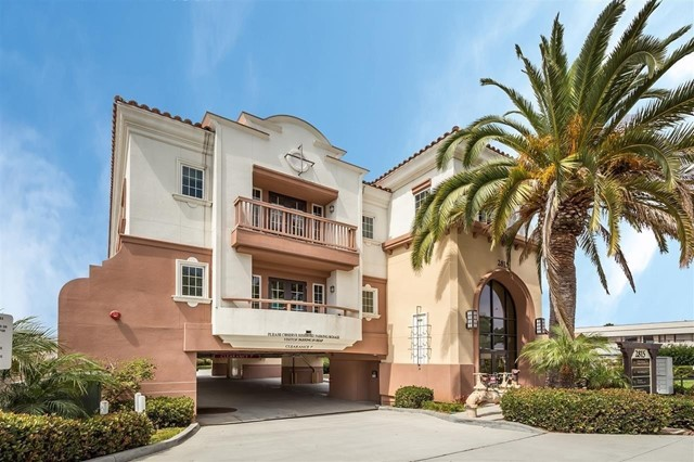 Photo of home for sale at 2815 Jefferson Street, Suite 301, Carlsbad CA