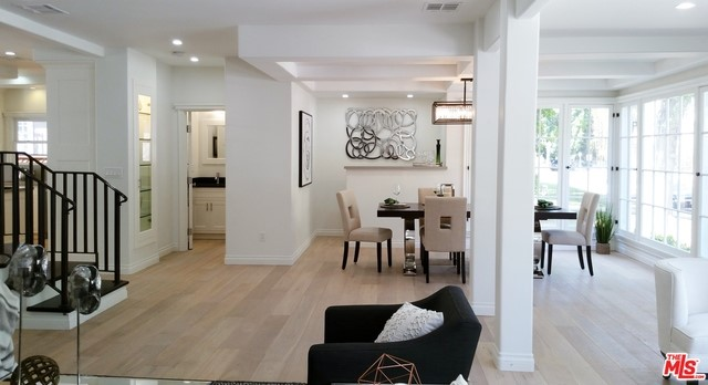 Single Family Home for Sale at 417 Norton Avenue S Los Angeles, California 90020 United States