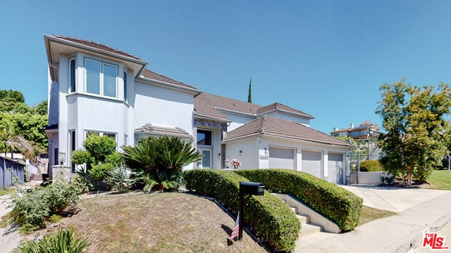 Photo of 5965 NORA LYNN Drive, Woodland Hills, CA 91367