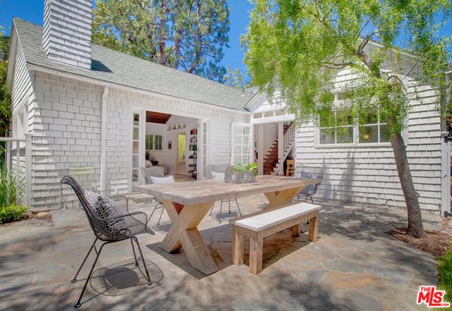 343 Sycamore Rd, Santa Monica, CA 90402 photo 26