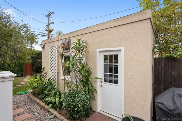 4869 Marlborough Drive, San Diego CA: http://media.crmls.org/mediaz/B3E85A49-ECDC-4BC1-A8D6-48DEA083CCAB.jpg