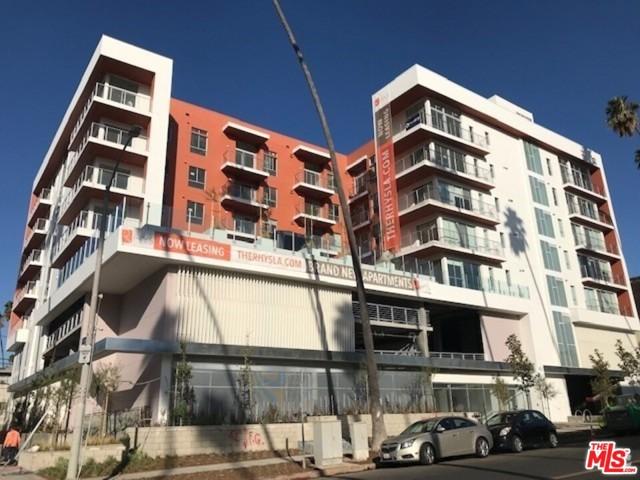 453 S KENMORE Avenue, Los Angeles CA: http://media.crmls.org/mediaz/B40B7B6B-B850-4F38-9040-3DD43C3E4C77.jpg