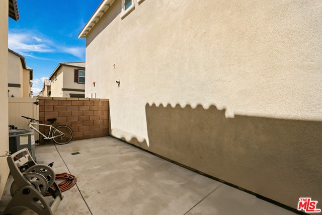 16007 Dexter Street, Chino CA: http://media.crmls.org/mediaz/B436023B-5E1F-4CFD-AE56-FA4B9FE1E3C9.jpg