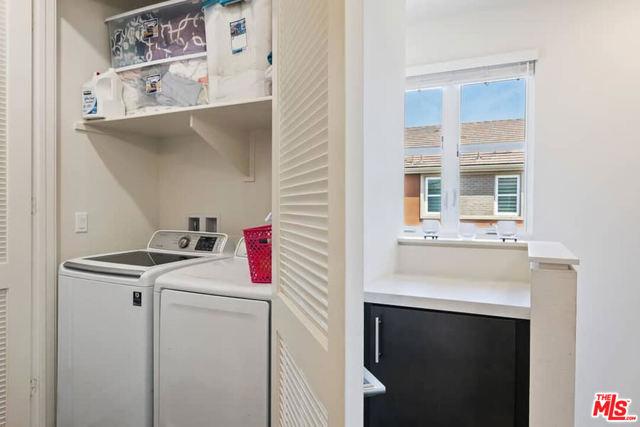 2700 E Chaucer Street, Los Angeles CA: http://media.crmls.org/mediaz/B477F45B-432F-451A-9C71-6929D7140401.jpg