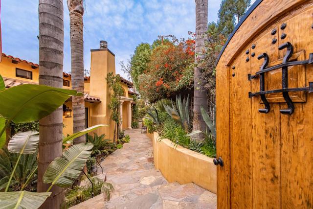 Photo of 13551 Cheltenham Drive, Sherman Oaks, CA 91423