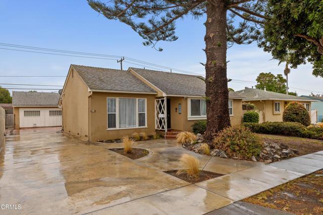 484 Rancho Drive, Ventura CA: http://media.crmls.org/mediaz/B489D899-4E6E-4138-A452-51370979BE7C.jpg