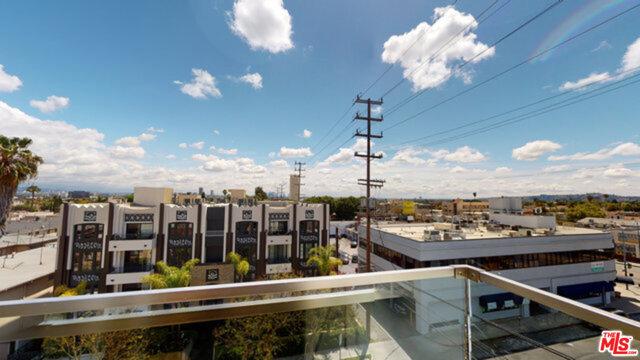 1143 Glenville Drive, Los Angeles CA: http://media.crmls.org/mediaz/B4E6B784-71A3-49F4-9647-CF6B0C5B5148.jpg