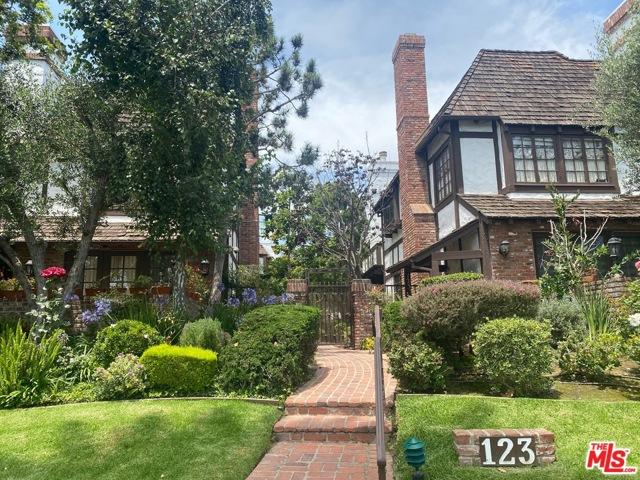 123 Georgina Ave 2, Santa Monica, CA 90402