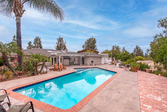 658 Bonwit Place, Simi Valley CA: http://media.crmls.org/mediaz/B53A8973-115A-4C6D-BA60-25675498E3E3.jpg