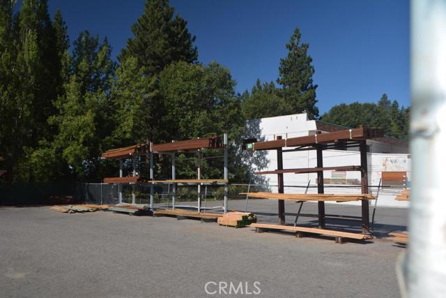 26567 Pine Avenue, Rimforest CA: http://media.crmls.org/mediaz/B54B3019-1F7C-4FBF-91E4-382A20898BE5.jpg