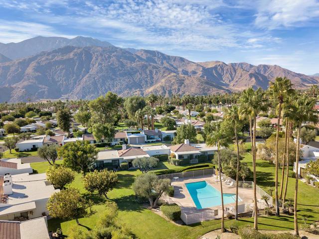 2228 Sunshine Circle, Palm Springs CA: http://media.crmls.org/mediaz/B582293A-68F4-4A52-AC2B-1743E4C8211E.jpg