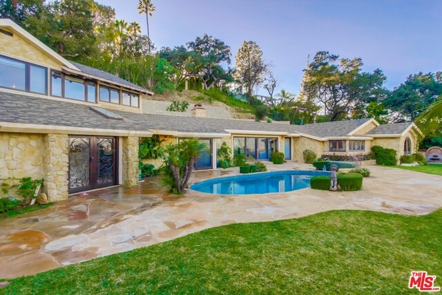 13745 MULHOLLAND Drive 3/4  Beverly Hills CA 90210