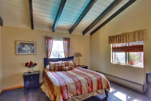 300 Country Club, Carmel Valley CA: http://media.crmls.org/mediaz/B5BFC64A-855D-4FEC-BC28-007E1D78A78A.jpg