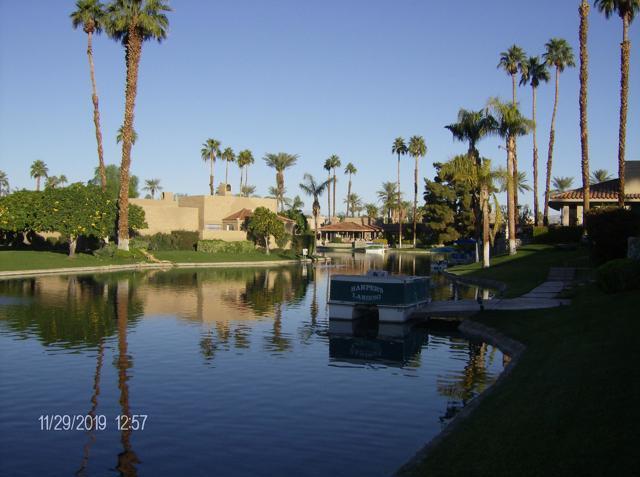 212 Desert Lakes Drive, Rancho Mirage CA: http://media.crmls.org/mediaz/B5EC7F3C-AFE8-46F9-88BA-06F41308DDD1.jpg