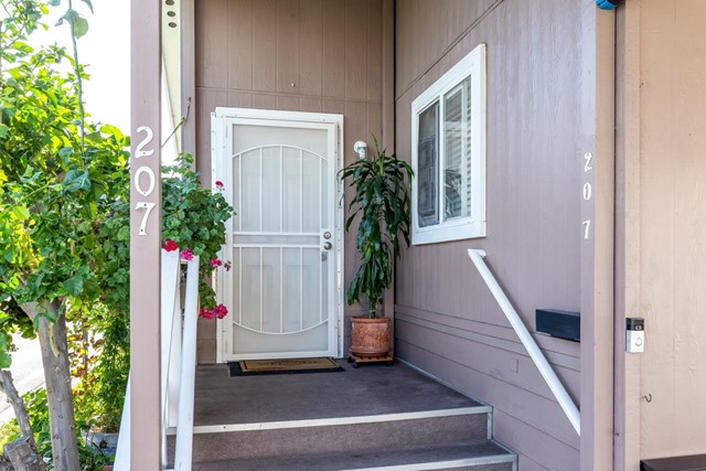 1220 Tasman Drive, Sunnyvale CA: http://media.crmls.org/mediaz/B6103080-601B-4DFB-A55F-02214696D34A.jpg