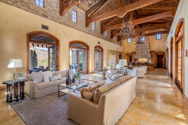 18471 Calle Tramonto, Rancho Santa Fe CA: http://media.crmls.org/mediaz/B617B035-5259-43C3-B655-246A853CE93C.jpg