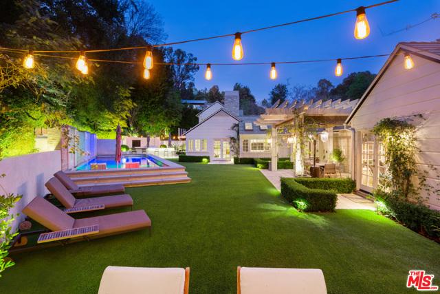 地址: 2791 Hutton Drive, Beverly Hills, CA 90210