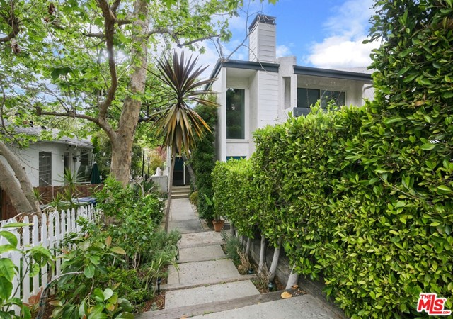 807 Haverford Ave, Pacific Palisades, CA 90272
