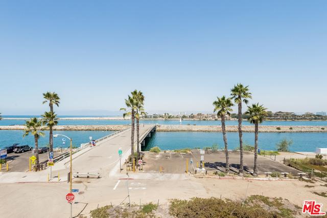 Condominium for Rent at 6206 Pacific Avenue Playa Del Rey, California 90293 United States