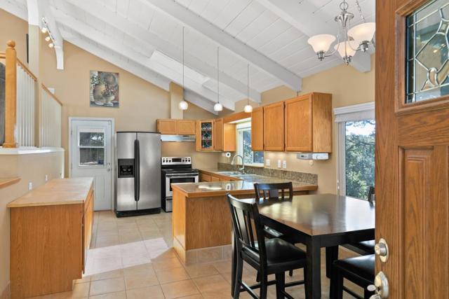 19080 Oak Heights Drive, Salinas CA: http://media.crmls.org/mediaz/B6D6393B-0E43-4A31-9713-8295BB0B30DA.jpg