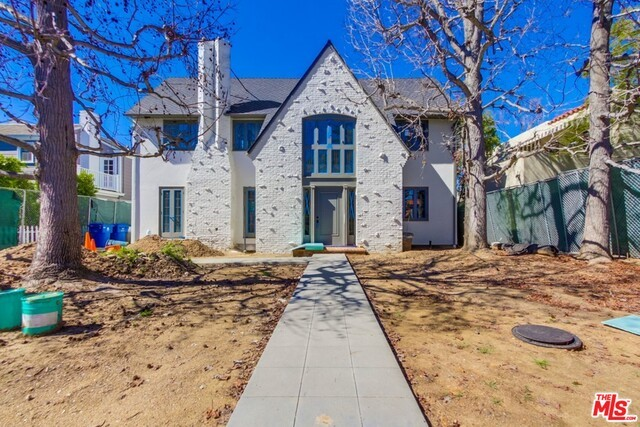 Single Family Home for Sale at 147 Plymouth S Los Angeles, California 90004 United States