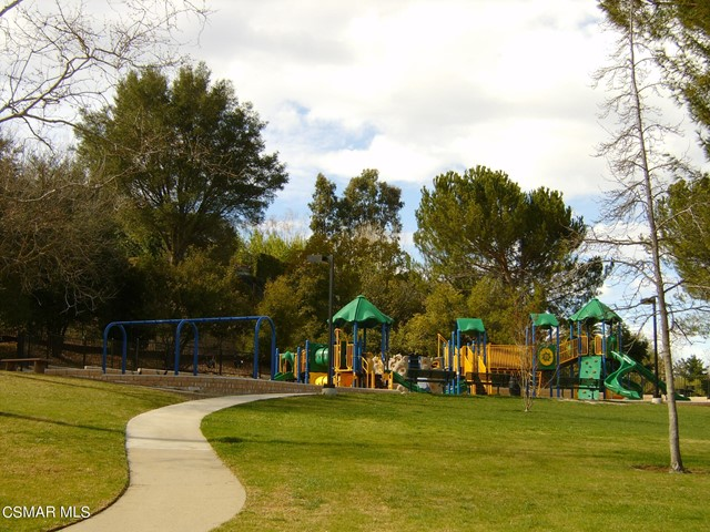 2024 Rosebay Street, Westlake Village CA: http://media.crmls.org/mediaz/B706F7F9-0402-4219-9A91-4DF9B063B4CC.jpg