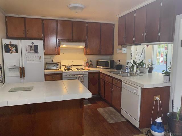 8089 Calico St, San Diego CA: http://media.crmls.org/mediaz/B71A6F0A-AFBF-425C-9747-4C493FB4EA52.jpg